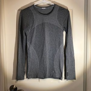 Gap body athletic long sleeve